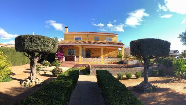 Olocau Villa For Sale