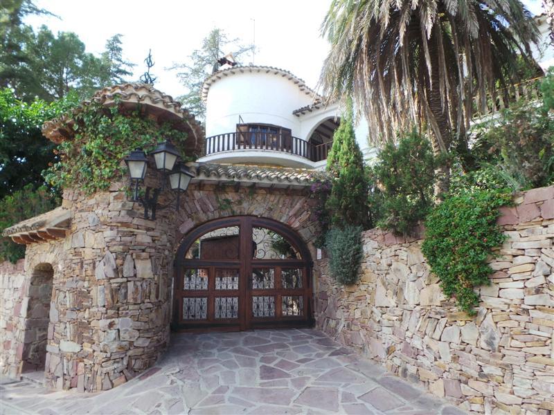 Villa for sale in Naquera