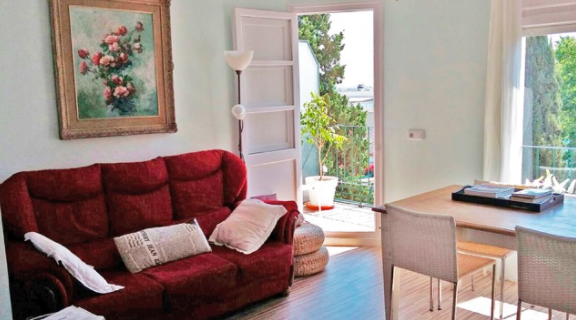 Three Bedroomed Apartment in the Chic Little Town of Rocafort For Just 62000 Euros