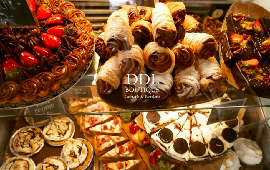 The Dulce de Leche Cake Shop on Pintor Gisbert Is One of The Many You Can Find In Ruzafa