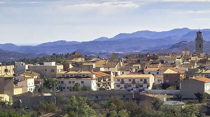 Serra is a lovely little town in the Sierra Calderona mountain range just half an hour away from the city of Valencia