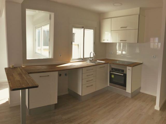 Open Plan Kitchen to Living Room in Benimamet