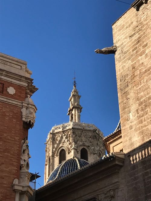 Blue skies and history in Valencia City