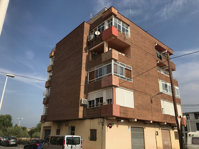 79000 Euros Ribarroja Apartment For Sale, click on image to visit site