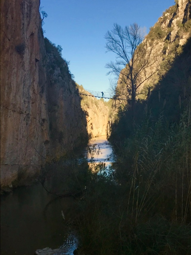 The hanging bridge over the Ruta de los Calderones