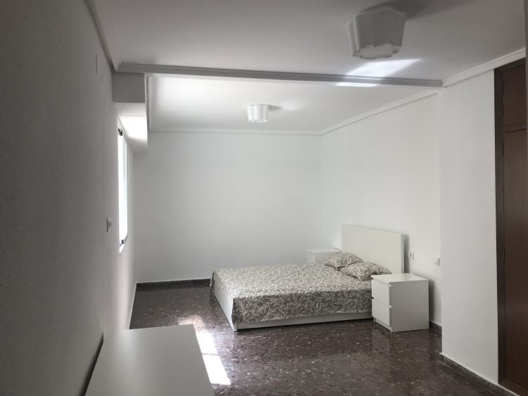 Main Bedroom Of Apartment Rental in Naquera