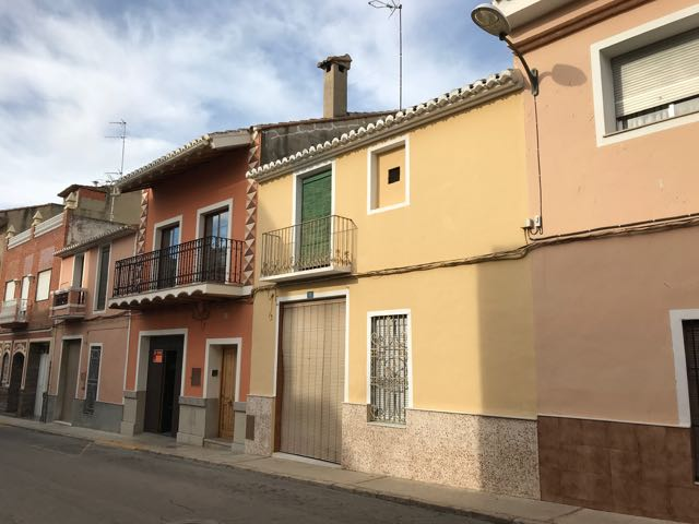 Property in La Pobla de Vallbona