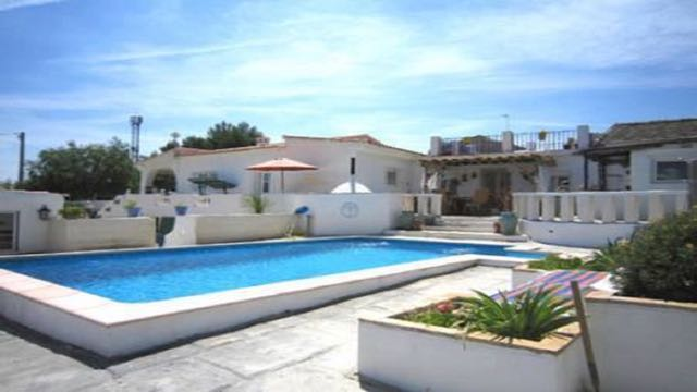 Property in Turis