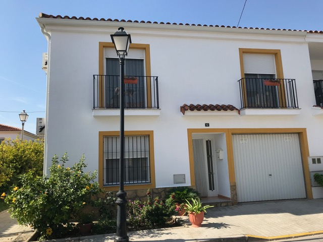 Picture of Superb Townhouse in Domeno Village