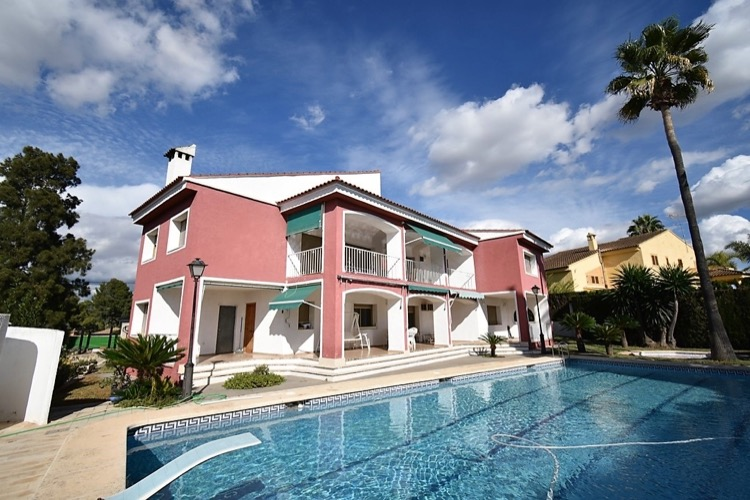 Picture of Huge La Eliana House With Large Pool