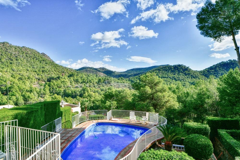 Property in Serra
