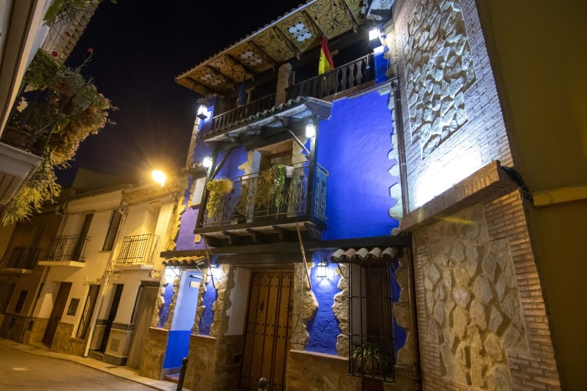 Wonderfully Mad Townhouse in Siete Aguas